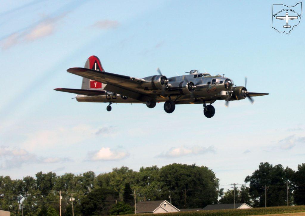 B-17 Bomber landing at KPCW August 7, 2016