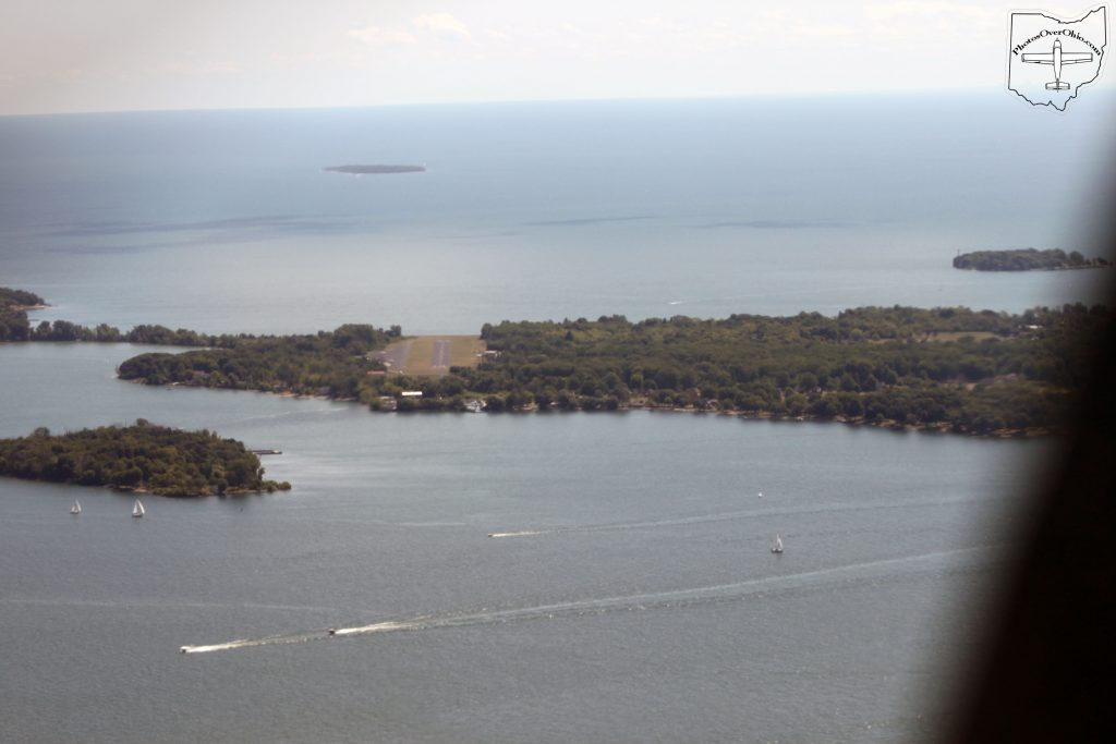 Middle Bass Island (3T7) Runway 10, Short-final.